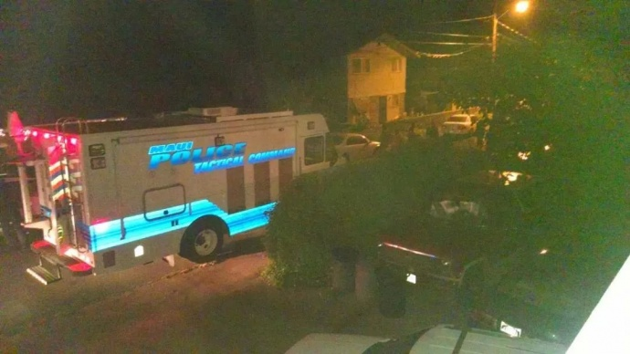 Police officers set up a mobile command center near the incident in Paukukalo. Photo courtesy Errol Easland.