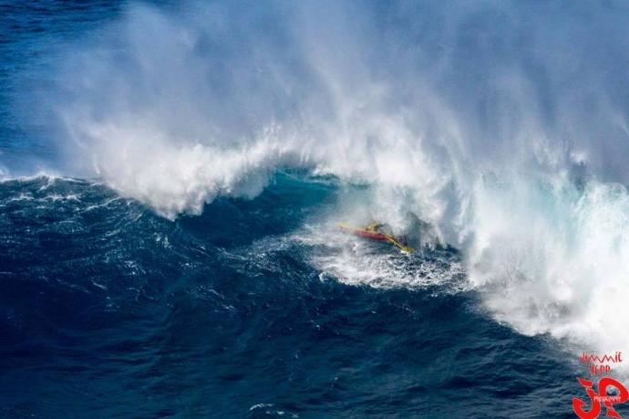"""Pe'ahi """"Jaws"""" 1.22.15 / Image: Jimmie Hepp"""