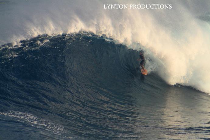 """Pe'ahi """"Jaws"""" 1.22.15 / Image: Aaron Lynton"""