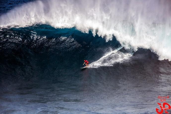 "Aaron Gold surfing Pe'ahi ""Jaws"" 1.22.15 / Image: Jimmie Hepp"