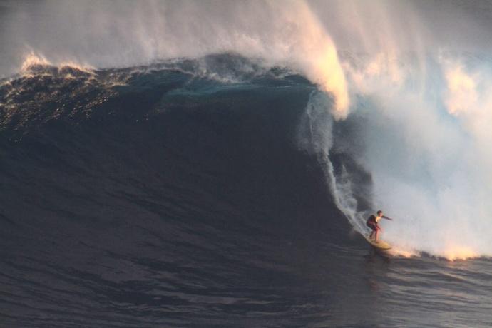 """Pe'ahi """"Jaws"""" 1.24.15 / Image: Aaron Lynton"""