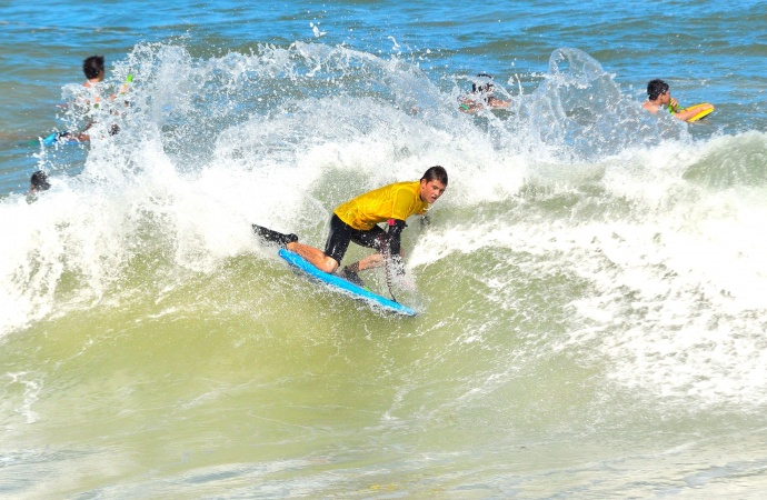 Brandon Shine had a big weekend at Paia Bay last year, finishing second in the Men's division and third in the Drop Knee division. File photo by Rodney S. Yap.