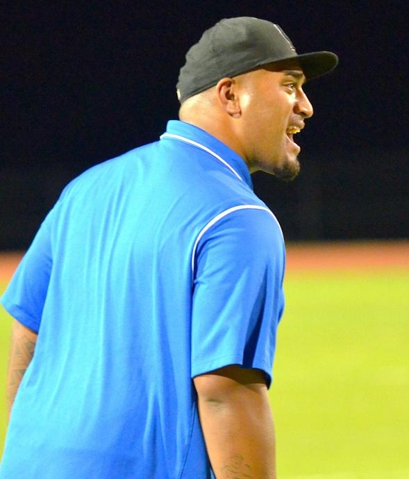 Maui High coach Kamaloni Vainikolo will be the team's defensive coordinator under Shirota. File photo by Rodney S. Yap.