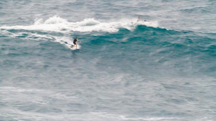 """Bill """"Beaker"""" Bryan Skimboarding Pe'ahi """"Jaws"""" 3.13.15 / Image: KineoceAndesigns.com"""