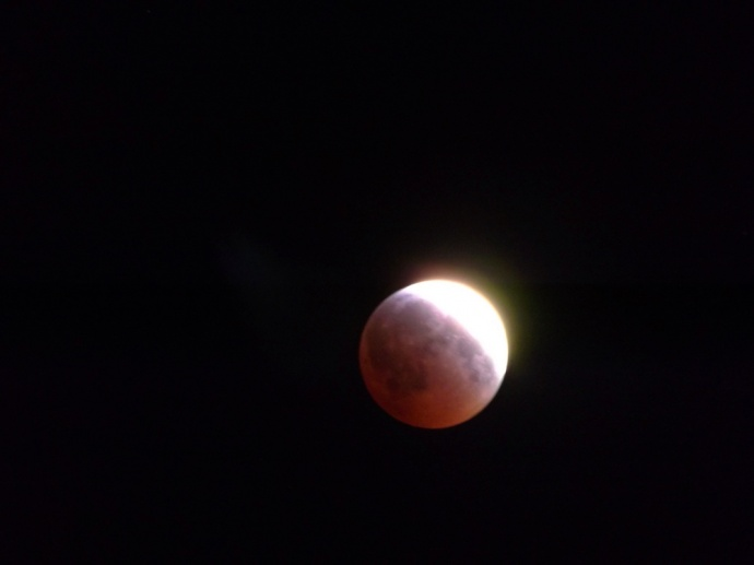 April 4, 2015 total lunar eclipse / Image: Asa Ellison