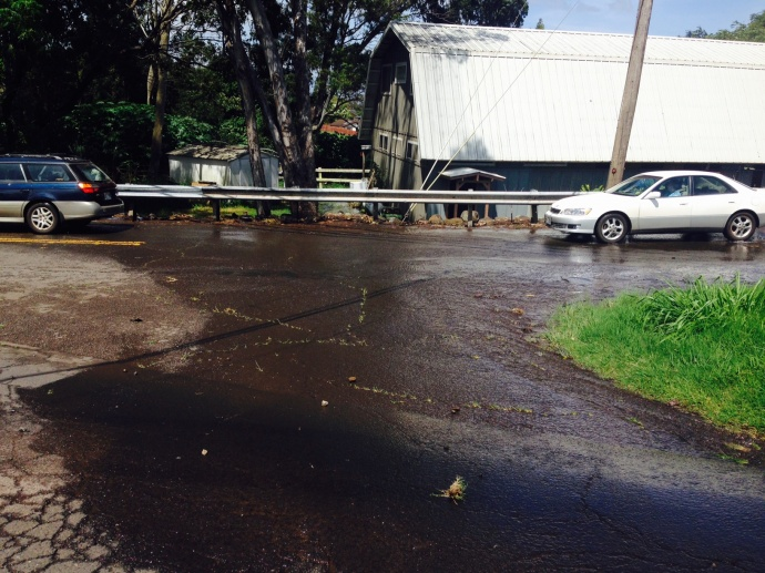 Makawao Avenue is closed due to a broken fire hydrant.