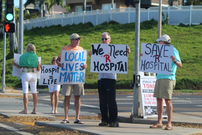 Maui hospital rally, 4/28/15. Photo by Wendy Osher.