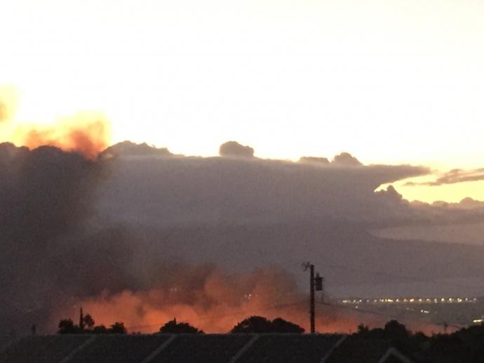 Pukalani brush fire. Photo by Jack Dugan.