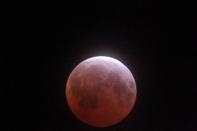 April 4, 2015 total lunar eclipse / Image: Summer Enfield Carlos