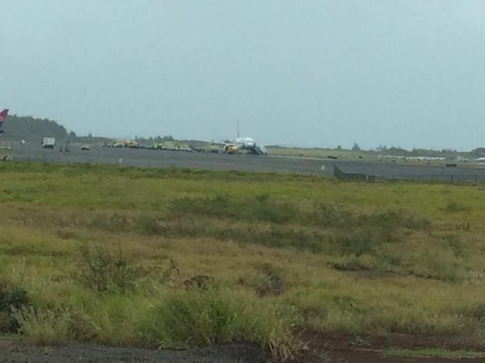 Hawaiian Airlines plane makes emergency landing at Kahului Airport. Photo credit: Patti Cadiz.