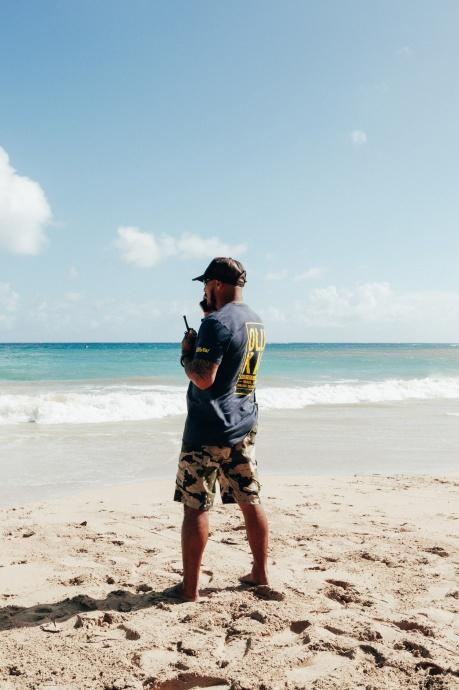OluKai Ho'olaule'a 2015 Archie Kalepa ocean watching Photo by Mark Kushimi