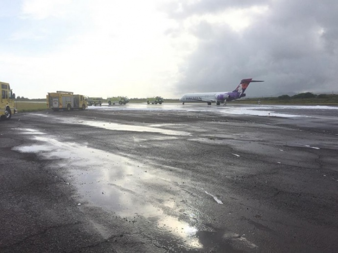 Hawaiian Airlines emergency landing, May 12, 2015. Photo credit: Ikaika Blackburn.