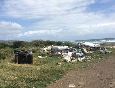 Litter piles at the beach at 'River Mouth' in Paukūkalo. Photo credit: Mālama Maui Nui.