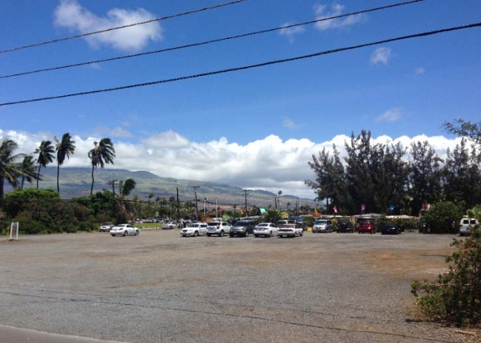The proposed Walgreens Kīhei site is currently being used by a daily open air market - Courtesy Walgreen Maui Inc., via DEA prepared by PBR Hawaiʻi.