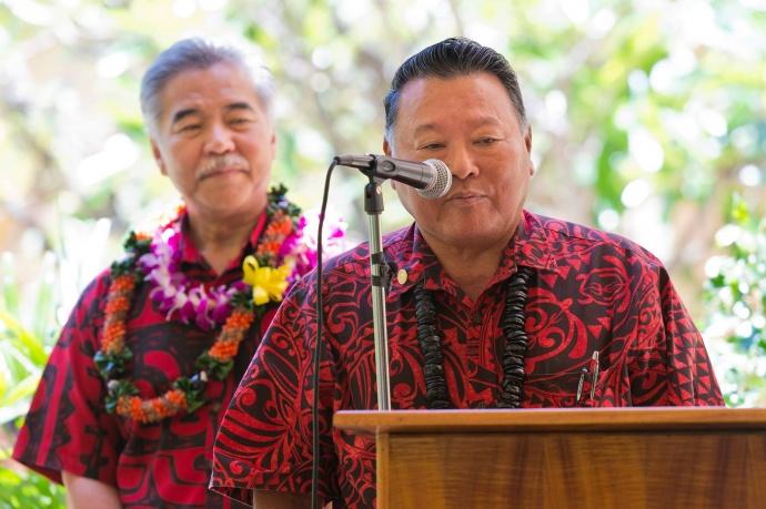 Maui Mayor Alan Arakawa (lt) and Governor David Ige (rt). Bill signing ceremony at Maui Memorial Medical Center.  (06.10.15) Photo credit: Ryan Piros/County of Maui.
