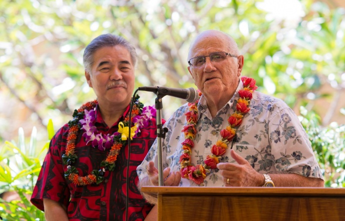 House Speaker Joe Souki (rt) and Governor David Ige (lt). Bill signing ceremony at Maui Memorial Medical Center. (06.10.15) Photo credit: Ryan Piros/County of Maui.