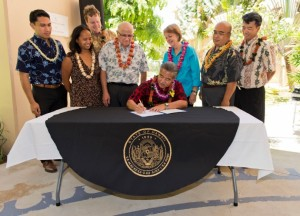 Bill signing ceremony at Maui Memorial Medical Center. (06.10.15) Photo credit: Ryan Piros/County of Maui.
