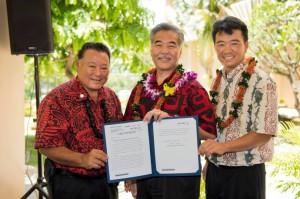 Maui Mayor Alan Arakawa (lt) with Governor David Ige (middle) and Lieutenant Governor Shan Tsutsui (rt). Bill signing ceremony at Maui Memorial Medical Center. (06.10.15) Photo credit: Ryan Piros/County of Maui.