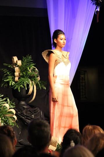 MAMo Wearable Art Show, Maui. Photo by: Marlo Antes.