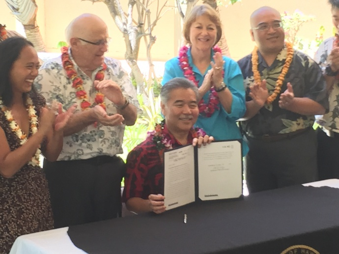 Bill signing ceremony at Maui Memorial Medical Center. Photo by Chuck Bergson.