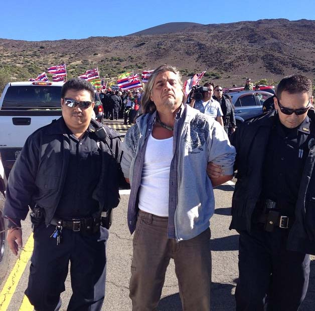 Demonstrations continued at Mauna Kea on Hawaiʻi Island today (6/24/15) with 11 more people arrested. Photo credit: Te Rawhitiroa