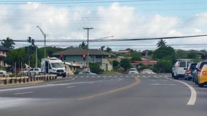 Cable line repair at Kaahumanu Avenue, 7/15/15.  Maui Now photo.