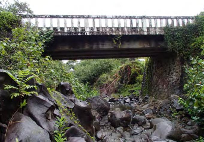Kailua Stream Bridge.  Photo credit: Hawaiʻi DOT, Highways Division.