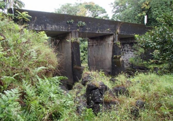 Mokulehua Stream Bridge.  Photo credit: Hawaiʻi DOT, Highways Division.