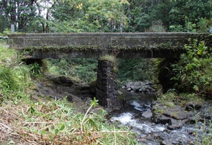 Waiohue Stream Bridge.  Photo credit: Hawaiʻi DOT, Highways Division.