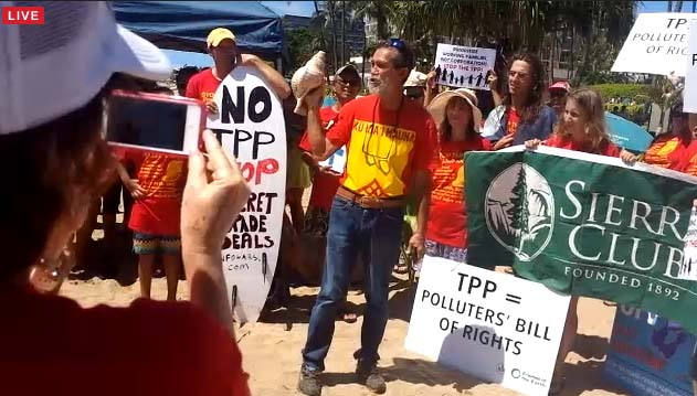Activist Walter Ritte of Molokaʻi speaks at the Stop TPP Maui Press Conference. Photo credit: Nicholas Garrett.