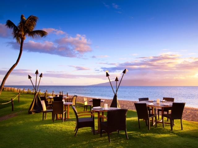 Relish Oceanside Restaurant on Ka'anapali Beach Aloha Friday Beach BBQ - Relish Oceanside