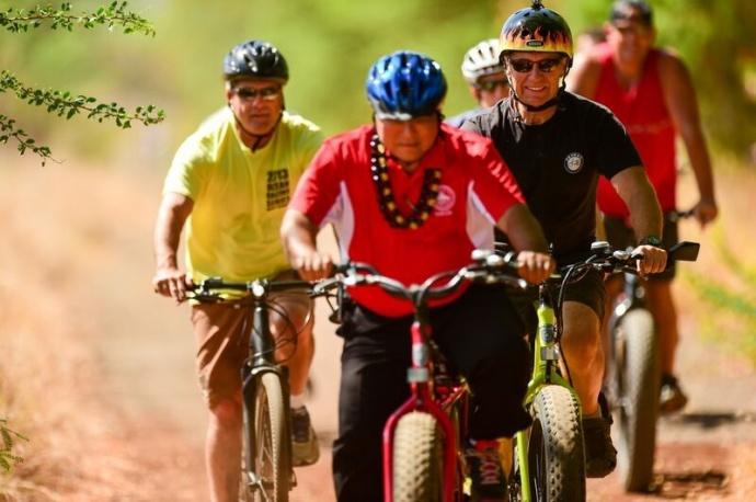 West Maui Greenway with Mayor Alan Arakawa. Photo courtesy Maui Bicycling League.
