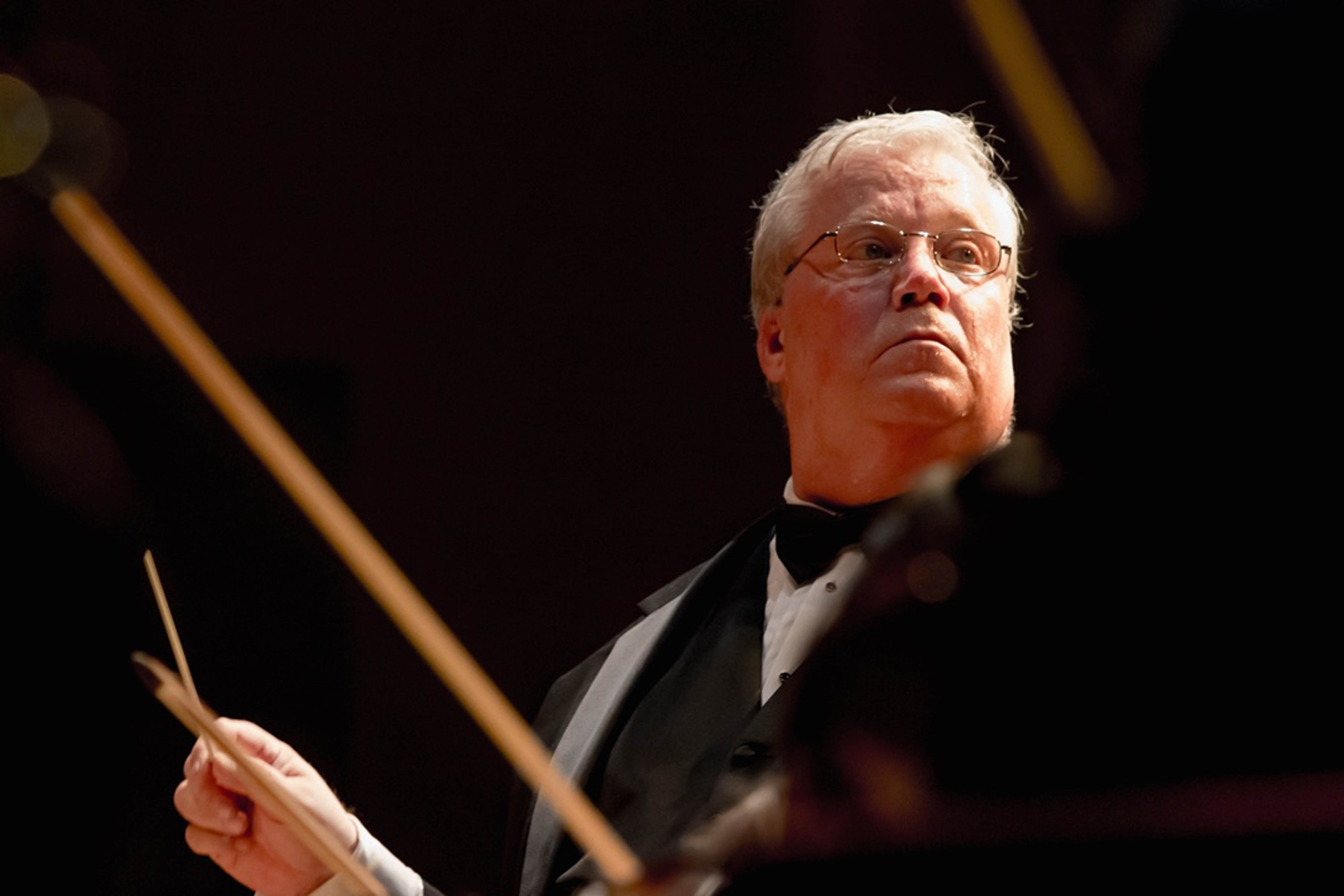 Maestro Robert E. Wills we lead the Maui Chamber Orchestra in a varied program from Bach, Hadyn and Mozart to Stravinsky. Sun Dancer photo.