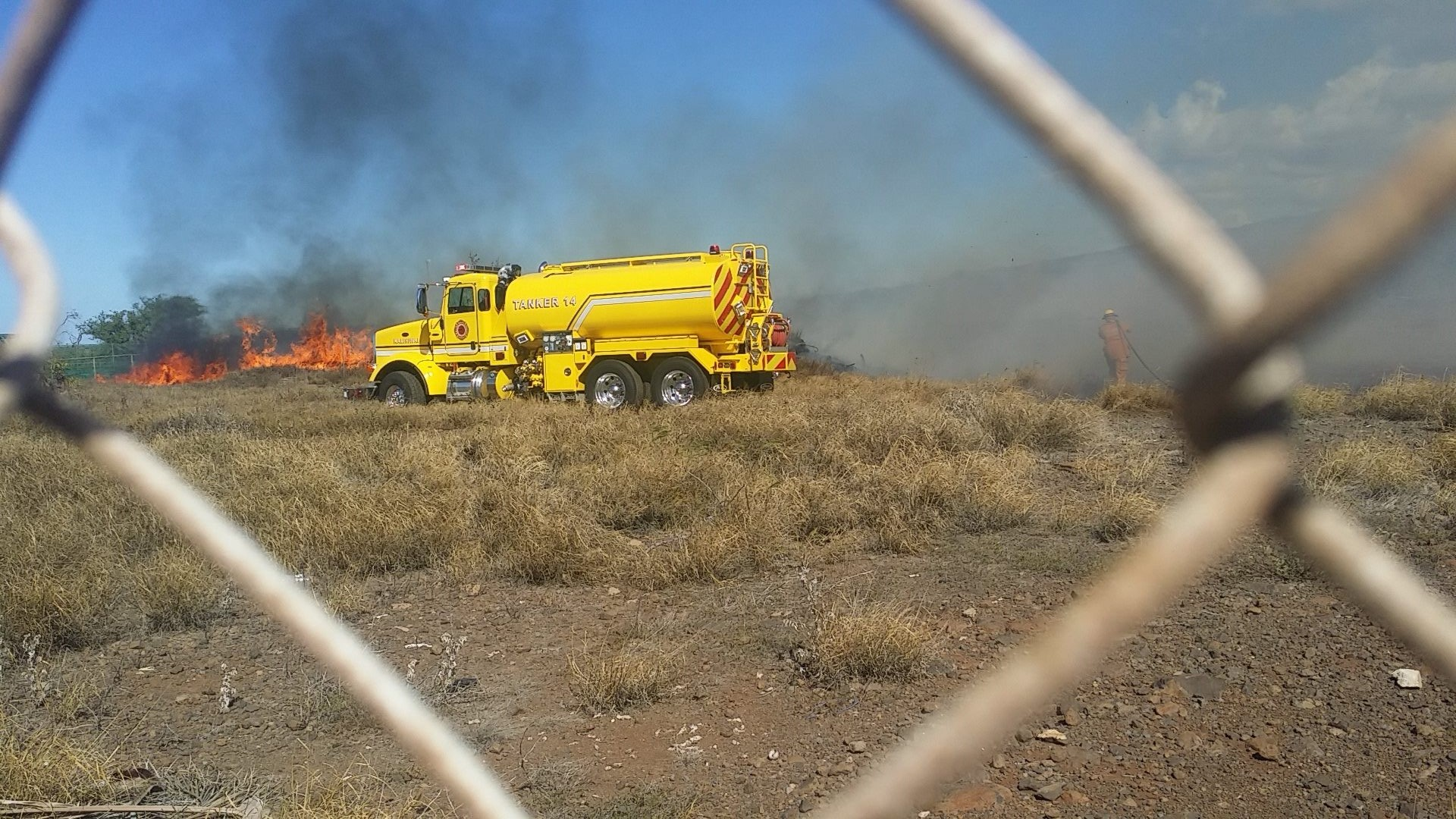 Kīhei fire, Oct. 20, 2015. Photo credit: Julia Toro.