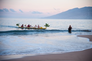 MNHCoC Business Fest protocols begin at dawn on Wailea Beach. MNHCoC photo.