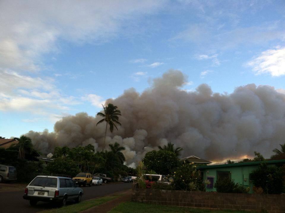 Cane burn in Pāʻia. File photo by Val Toro.