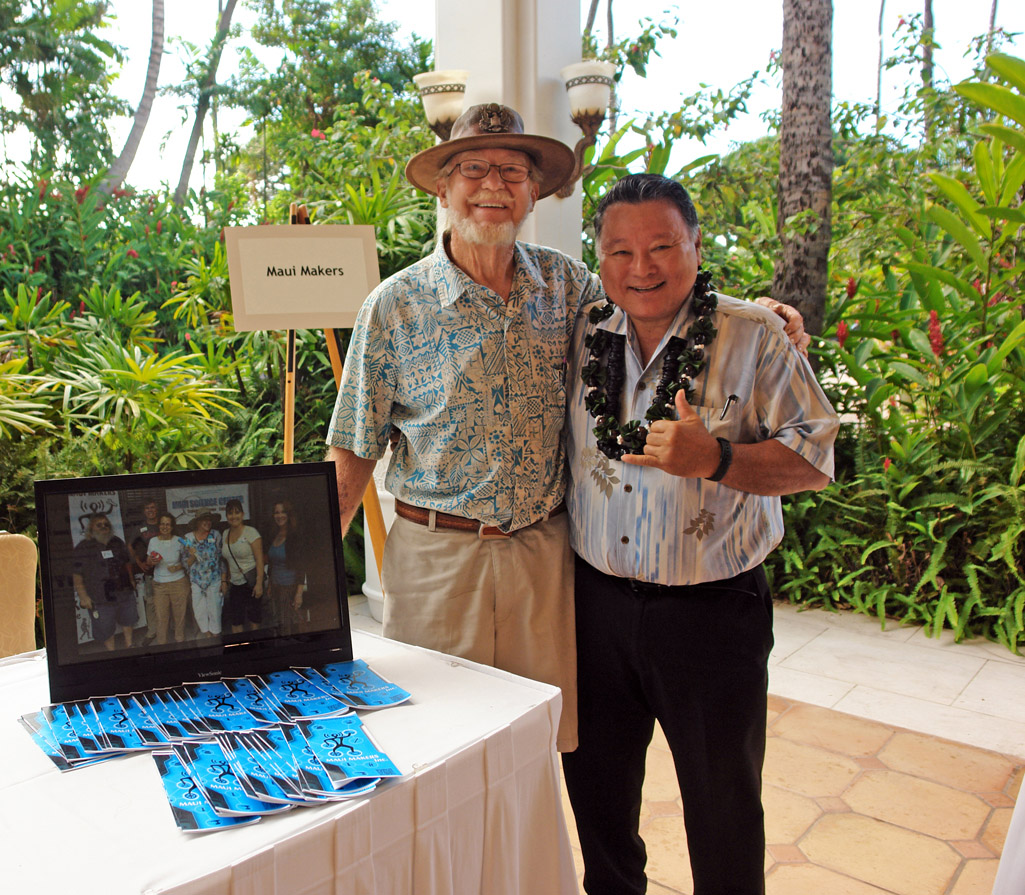 Buck Joiner of Maui Makers and Mayor Alan Arakawa at the 2015 Hui Holomua 9th Business Fest. MBB photo.