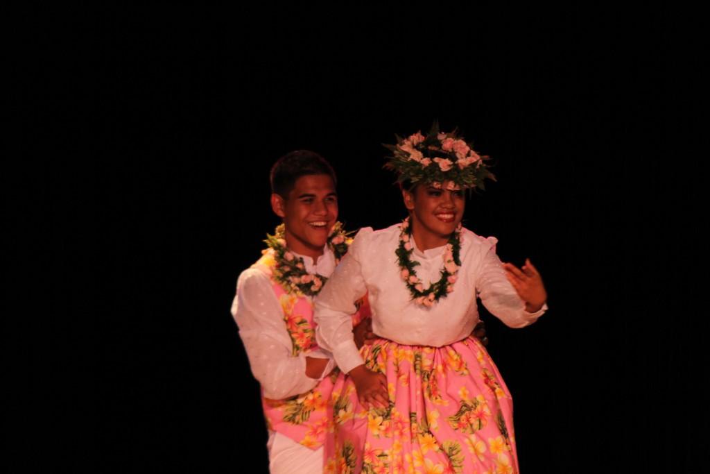 Teva Medeiros & Breena Ako, Hālonaikeohokapalai, Kumu Pōmaikaʻi Krueger. Photo by Wendy Osher.