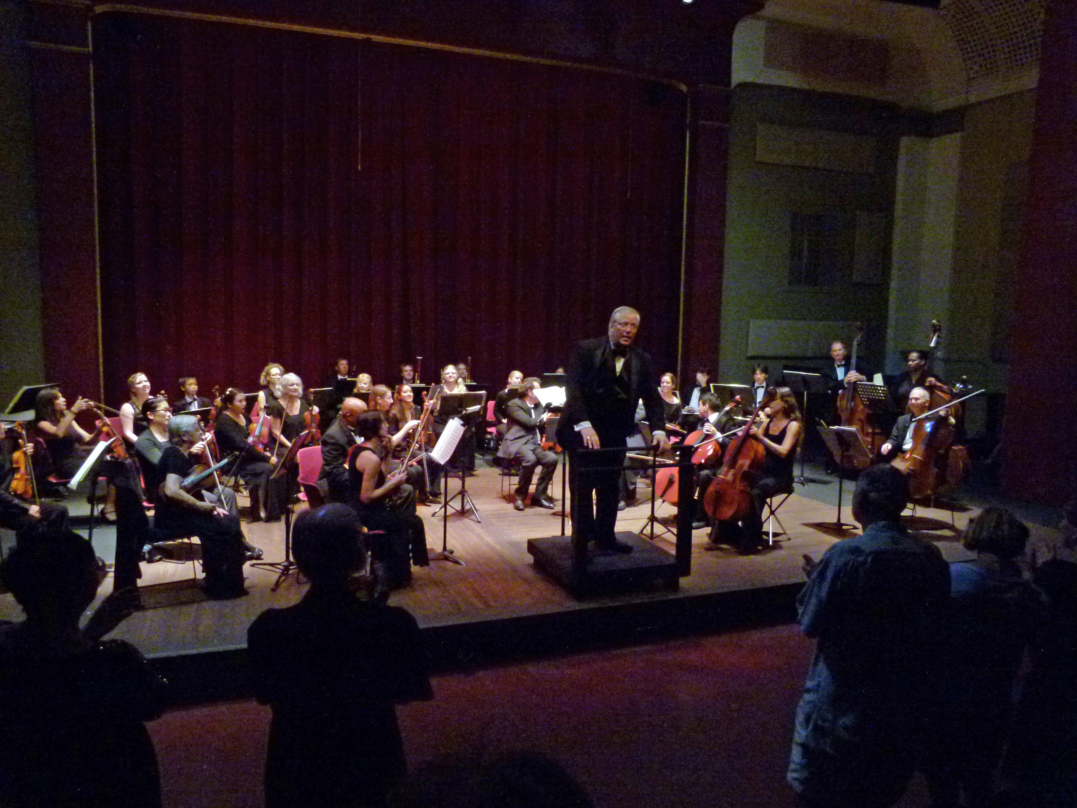 Maui Chamber Orchestra director. Maestro Robert E. Wills. Paul Janes-Brown photo.