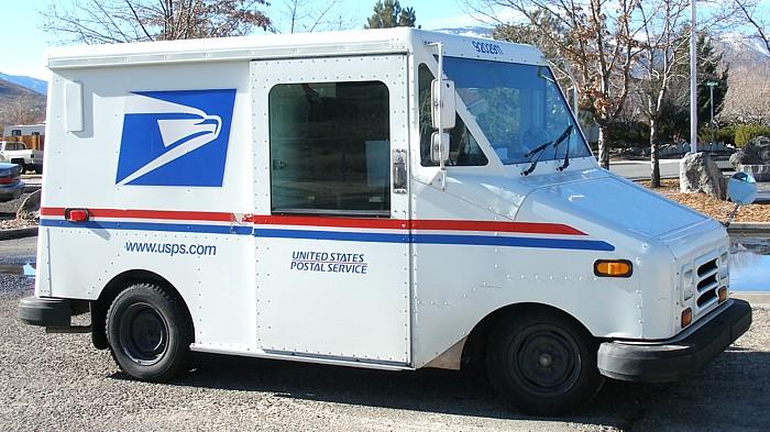 US Post Office truck. Wikipedia photo.