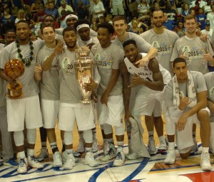 The Kansas Jayhawks battled back from a first-half deficit to defeat Vanderbilt and win the 2015 Maui Jim Maui Invitational, 70-63. It was the Jayhawks second MIT title. Photo by Joel B. Tamayo.
