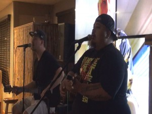 Live musical entertainment, seven nights a week at Kahului Ale House. Photo by Kiaora Bohlool.