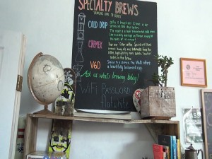 Decor at Belle Surf Café in Kihei. Photo by Kiaora Bohlool.