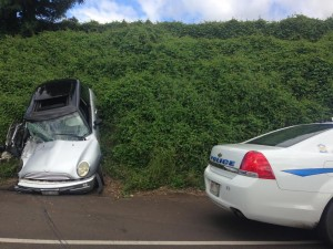 Kula Hwy traffic accident 12/3/15. Photo by Debra Lordan.