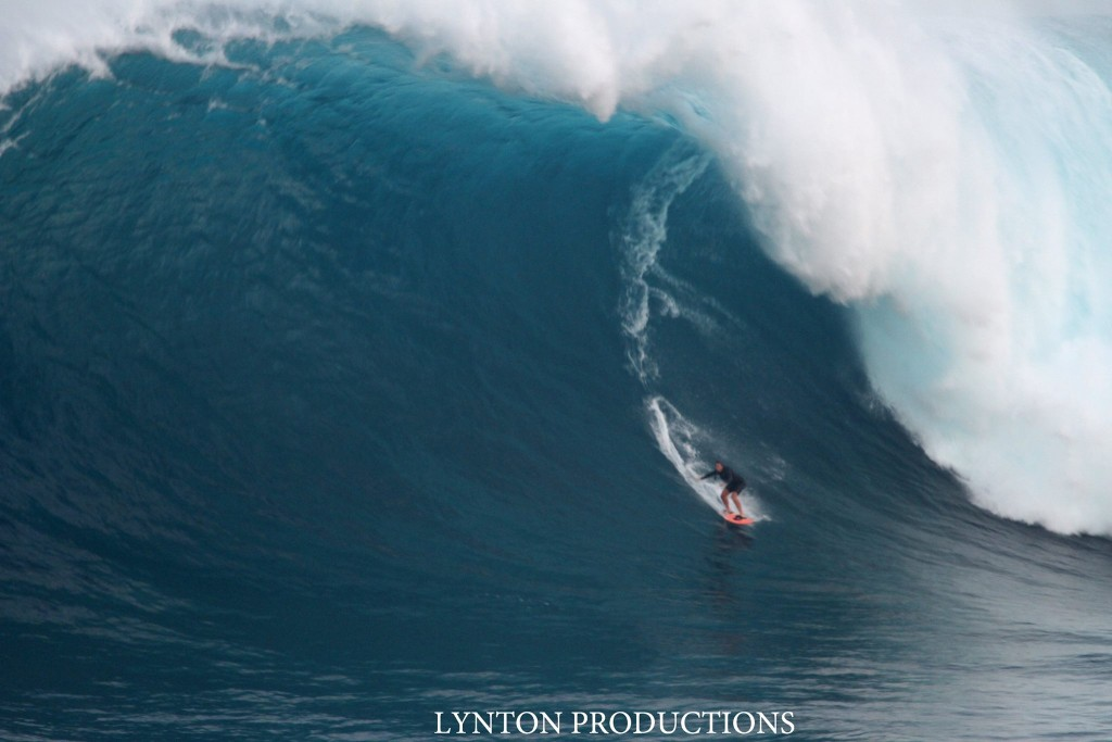 "Image: Aaron Lynton 1.28.16 Pe'ahi ""Jaws"" / Surfer: Andrea Moller"
