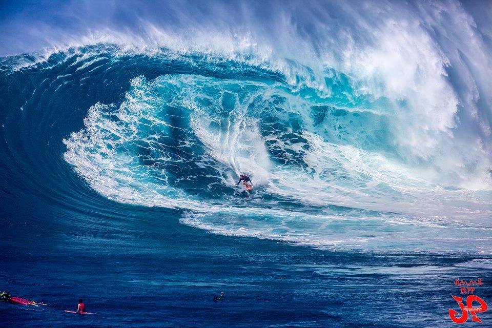 """Pe'ahi """"Jaws"""" 1/27/16 Image: Jimmie Hepp"""