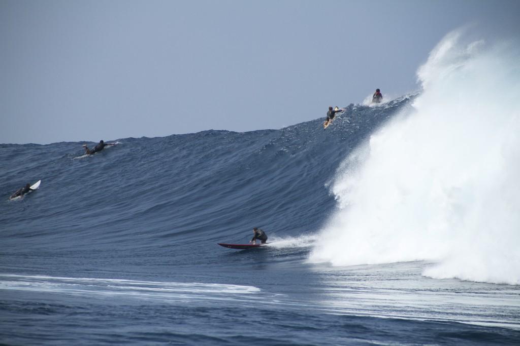 "Image: Wangdu Hovey 1.28.16 Pe'ahi ""Jaws"" / Surfer: Greg Long"