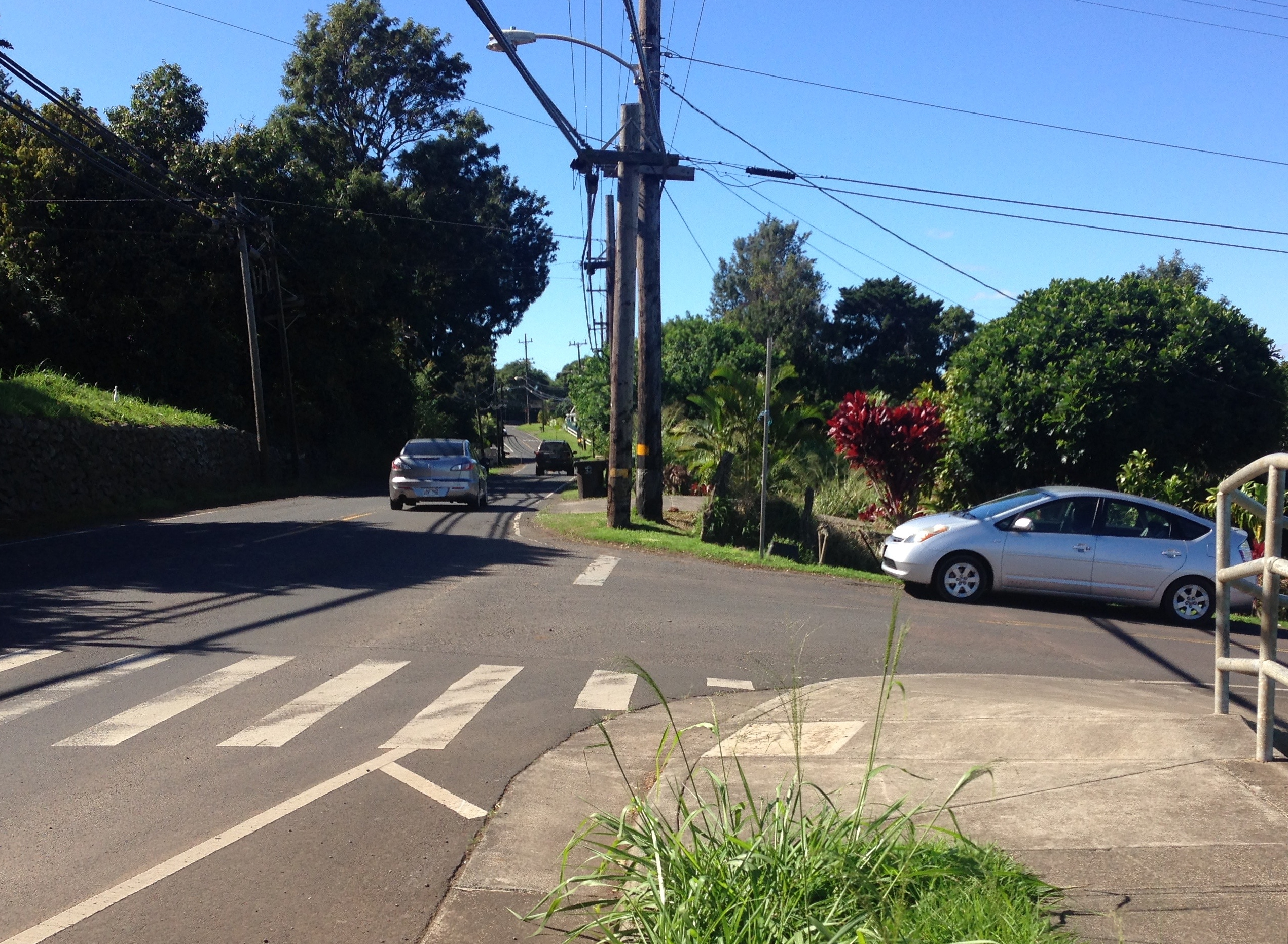 Ask the Mayor: Are There Plans for Sidewalks on Makawao Ave?