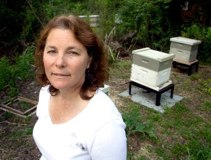 Maryann Frazier. Image provided by The Maui Bee Conference.