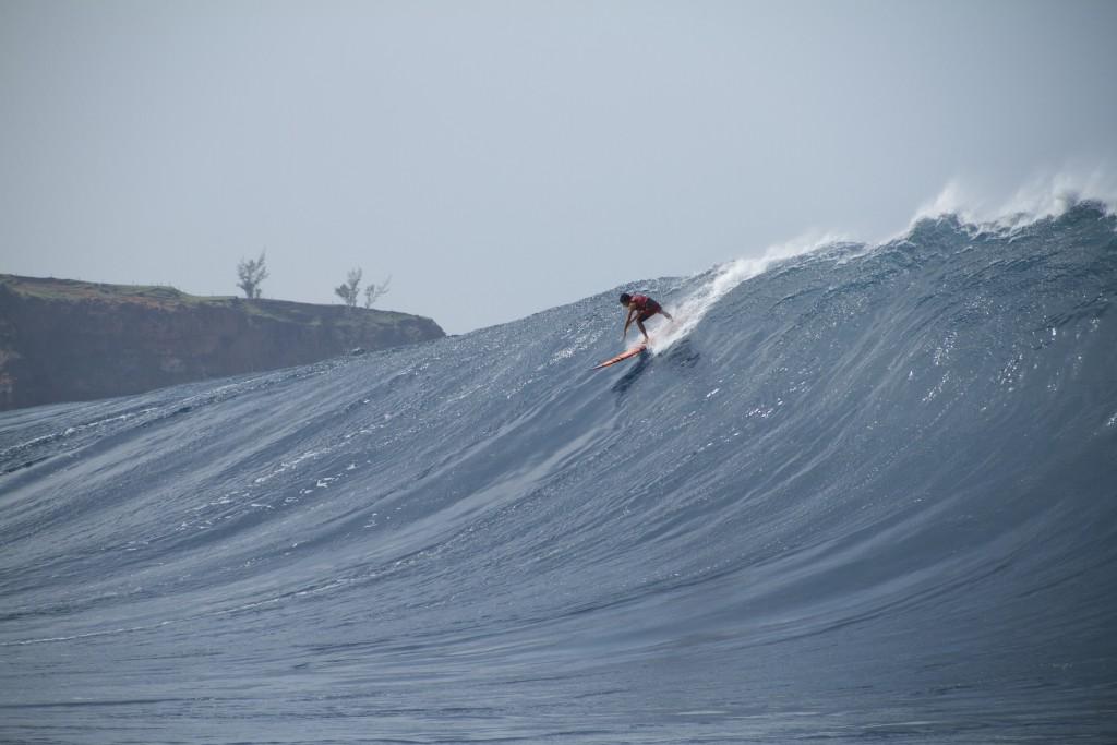 "Image: Wangdu Hovey 1.28.16 Pe'ahi ""Jaws"" / Surfer: Tyler Larronde"